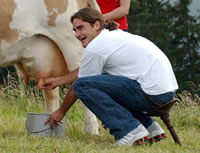 Picture of Roger Federer - federer_milk.jpg