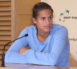 Picture of Amelie Mauresmo - mauresmo_paris.jpg