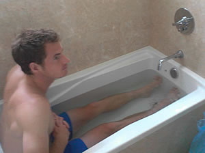 Picture of Andy Murray - murray-fb12-bath.jpg