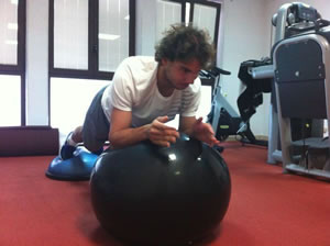 Picture of Rafael Nadal - nadal-fb12-ball.jpg